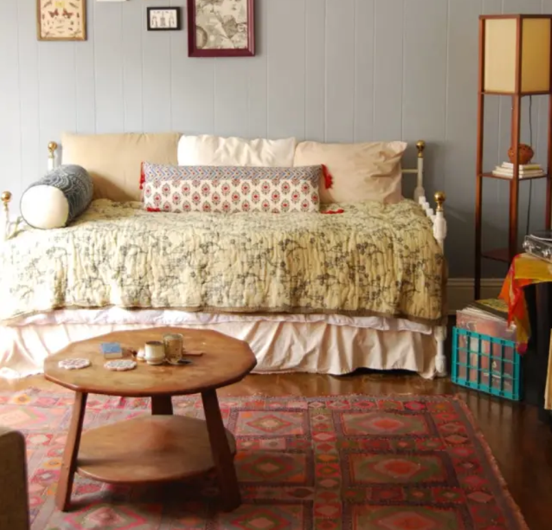 Cozy Teeny Tiny Studio
