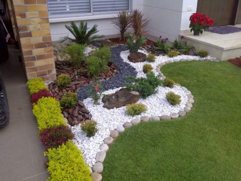 Little Garden With Pebble