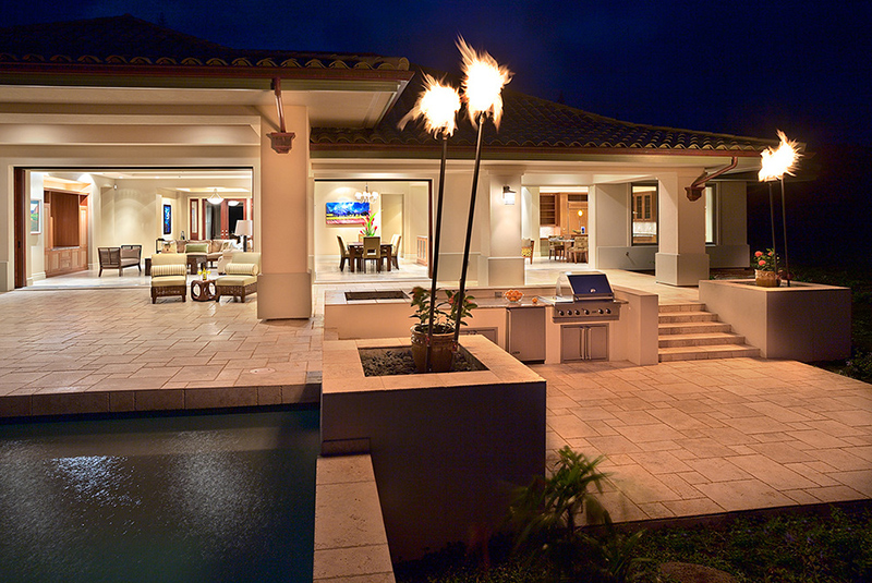 Contemporary Outdoor Area