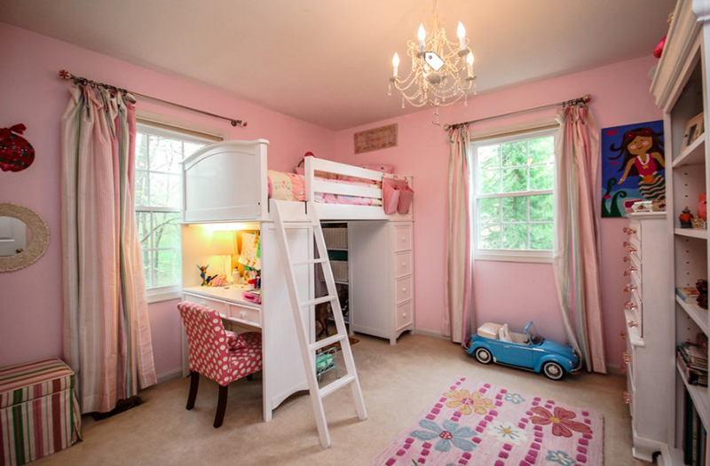 Girl's Bedroom With A Traditional Appeal