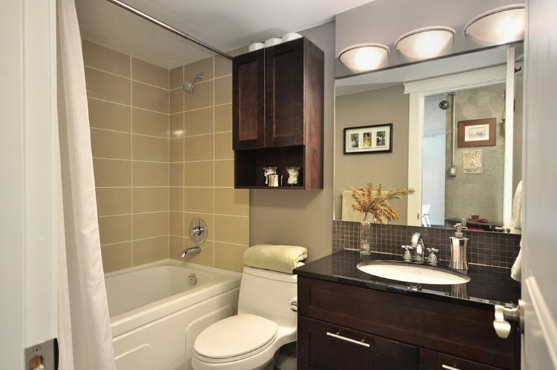 Traditional Look Condo Bathroom