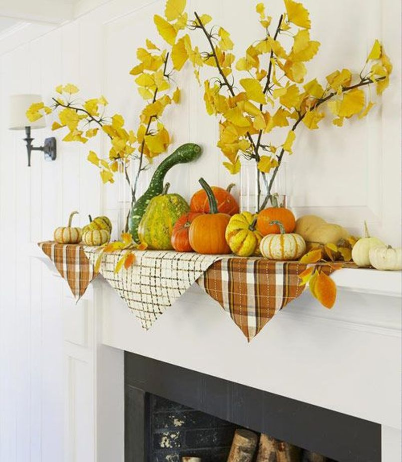 A Fall Mantel Decor