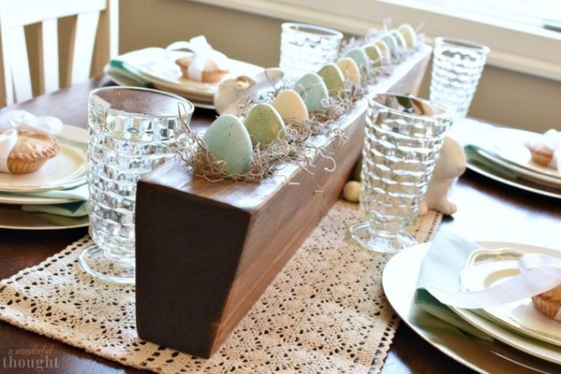 Pastel Colored Easter Table Decor