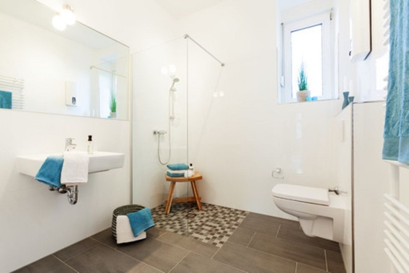 Blue Scandinavian Bathroom