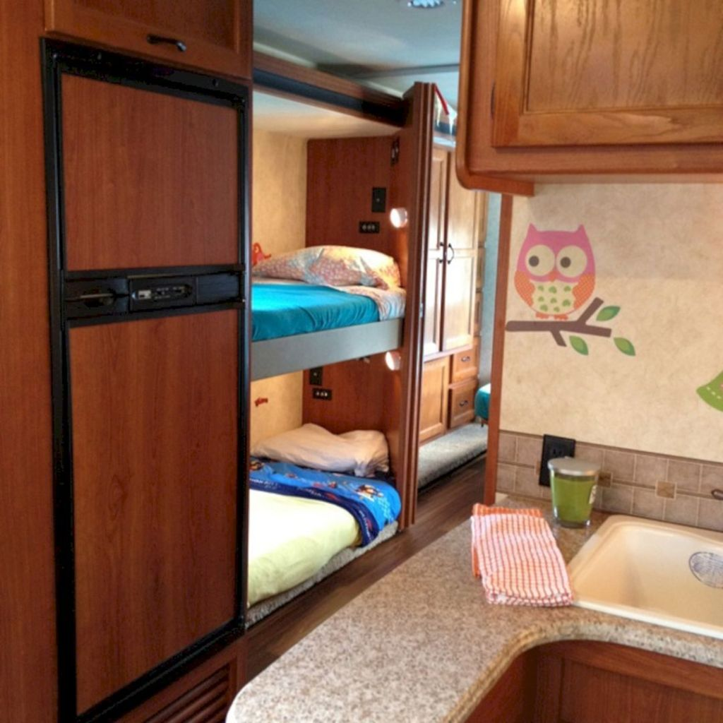Picture of: Ideas To Decorate Trailer With Bunk Beds Talkdecor