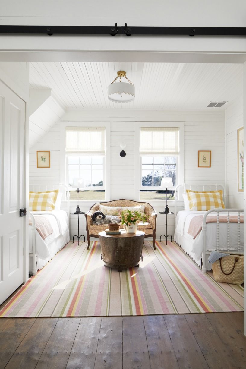10 The Best And Unique Tiny Bedroom Design Ideas with Two ...
