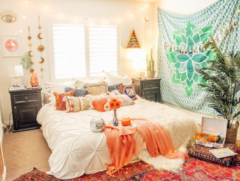 10 Bohemian Bedroom Decor Ideas That Are Comfortable To Stay Talkdecor